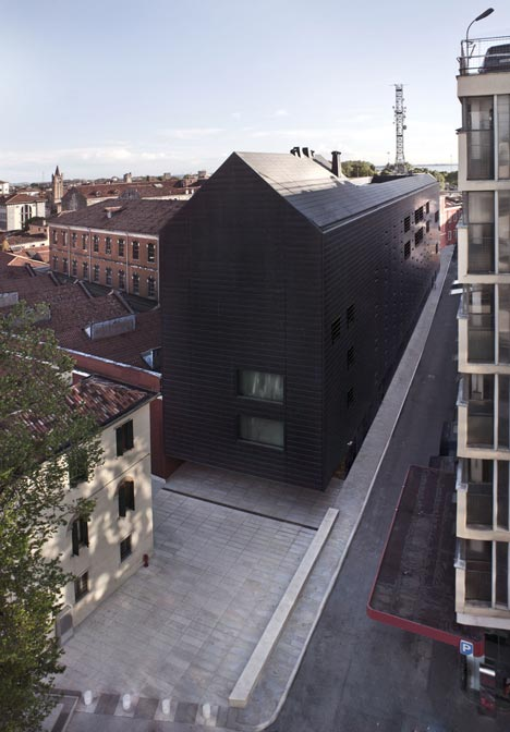 2-pietro-savorelli-dezeen_lcv-law-court-offices-by-c-s-architects_11